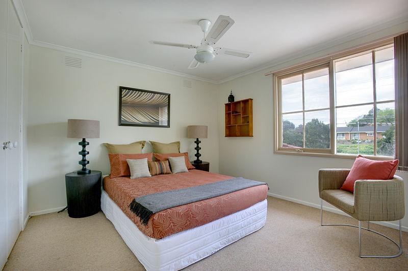 800px-Bedroom_Mitcham
