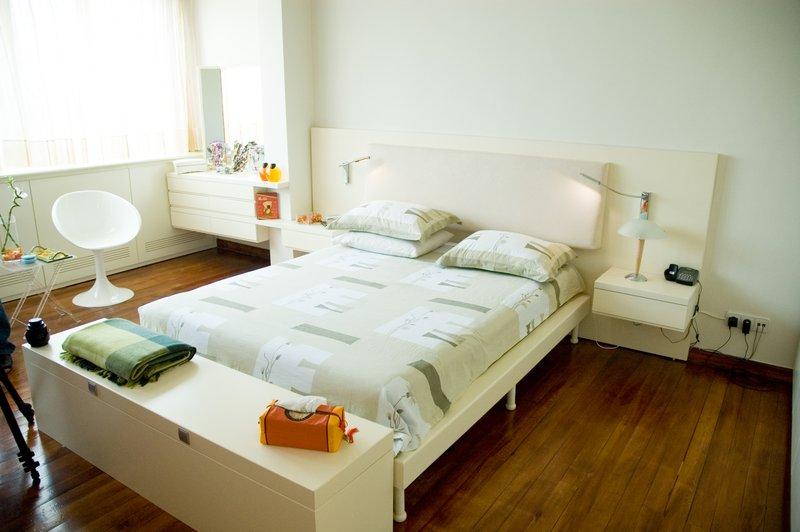 Bedroom_01_by_Gefeoz