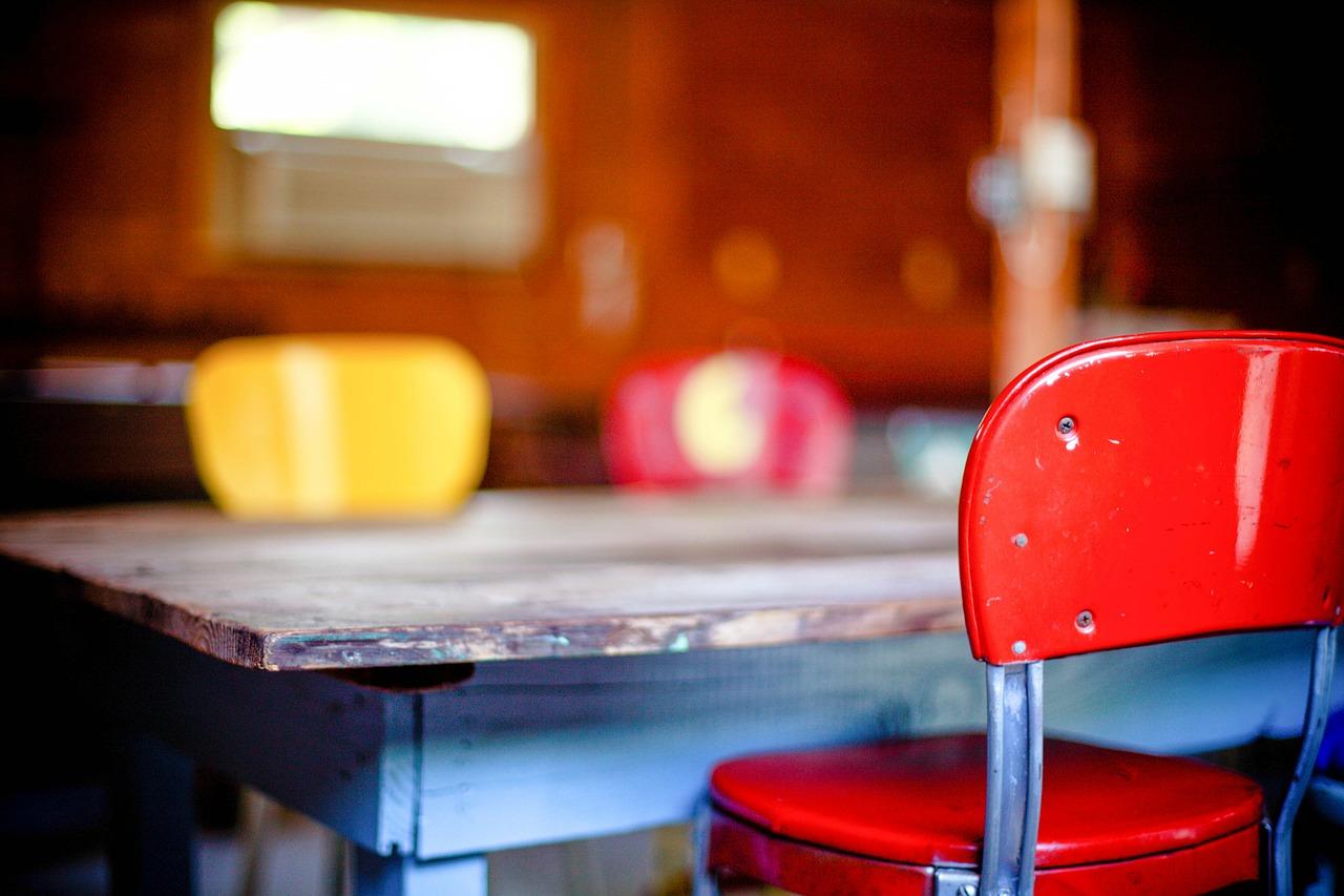 kitchen-table-349702_1280