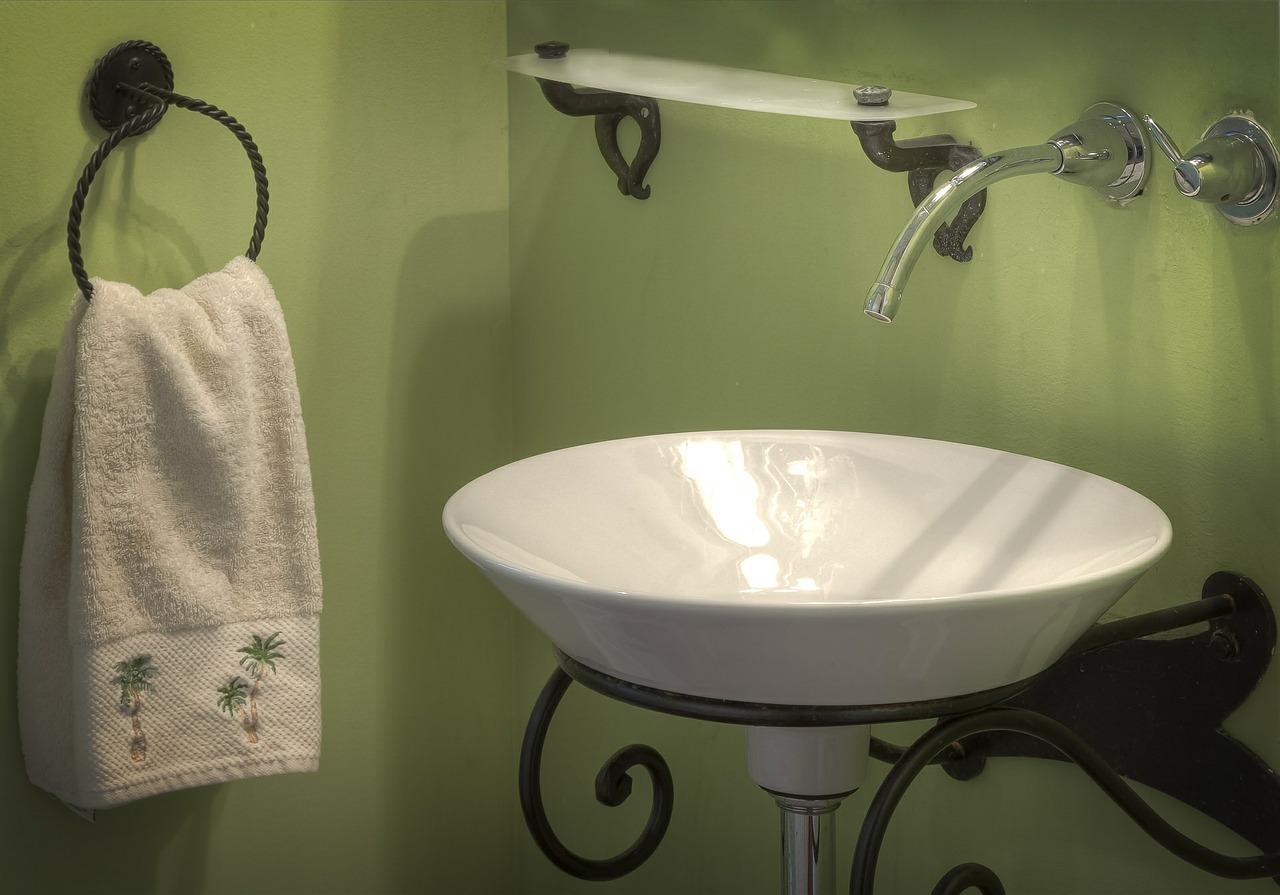 bathroom-389255_1280