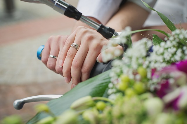 wedding-rings-603941_640