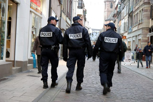 640px-Police-IMG_4105